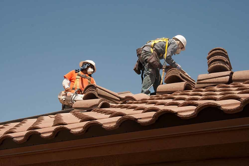 san diego roofing contractors in action